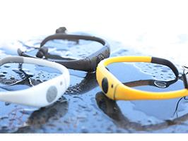 נגן MP3 ספורטיבי לשחייה 8G ורדיו FM מחפשים נגן מושלם לשחיה? לריצה?  חדש חדש מבי מגניב נגן MP3 ספורטיבי מעוצב בצורה ארגונומית אידיאלי לשחייה, גלישה, רפטינג, סקי וספורט אחר.. עמיד למים עשוי מהחומרים באיכות הגבוהות ביותר,אינו שוקע! מ