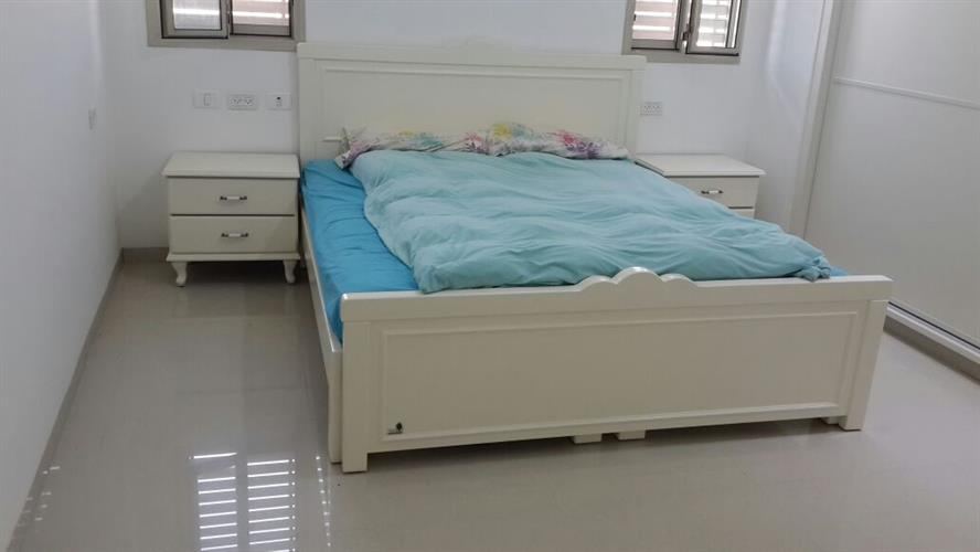 מיטה ושידות בעיצוב אישי