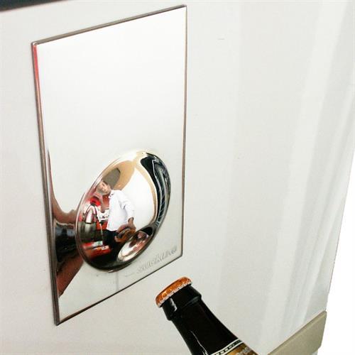 פותחן בקבוקים מגנט למקרר מנרוסטה